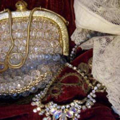 jewels-bags-textile-fashion-vintage-retro-old-antique-jewelry-handbags