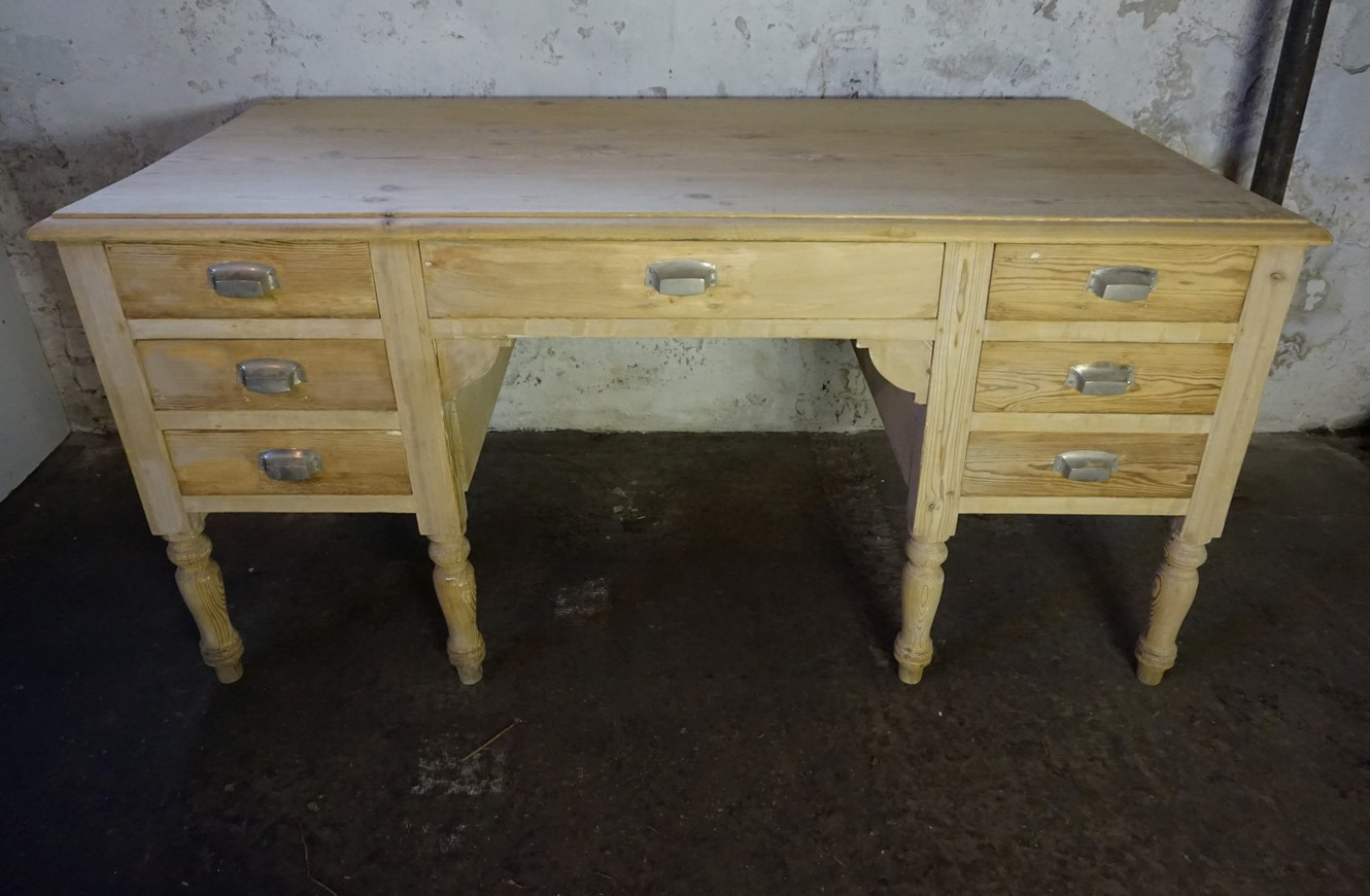 Brocant Wit Bureau.Beautiful Old Antique French Brocante Writing Desk Bureau With Drawers