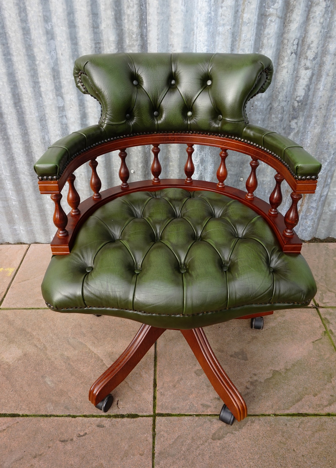 Chesterfield Bureaustoel Antiek.Winchester Chesterfield Captain Swivel Bureaustoel