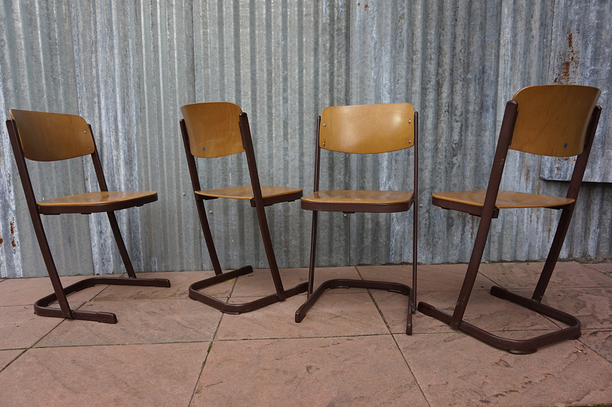 Industrial vintage stackable schoolchairs - Licht industriele vintage ...