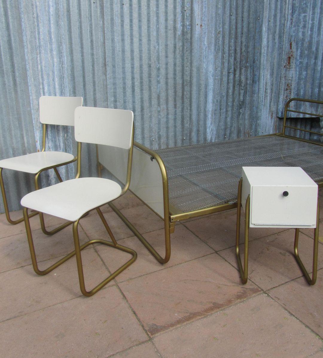 https://www.antiek-design-vintage.nl/images/stories/virtuemart/product/Gispen%20107%20slaapkamer%20set,bedroom%20set,%20stoelen%20107%20gispen-5.jpg