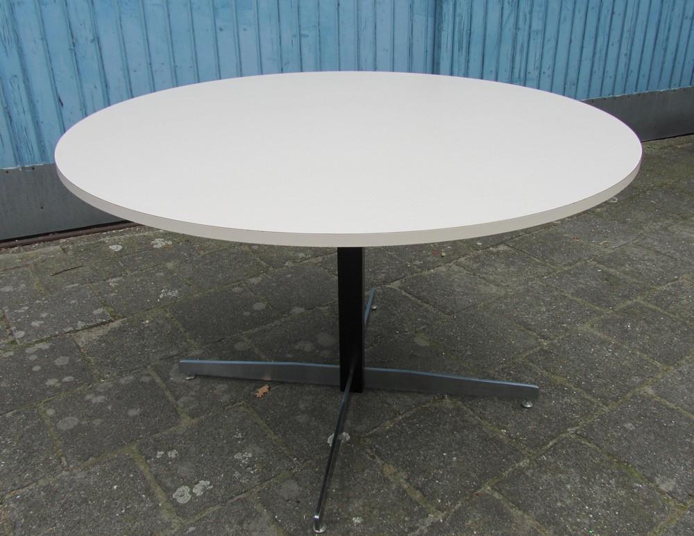 Vintage MidCentury Modern Round Formica Dinette Kitchen Table - Mid century modern formica table
