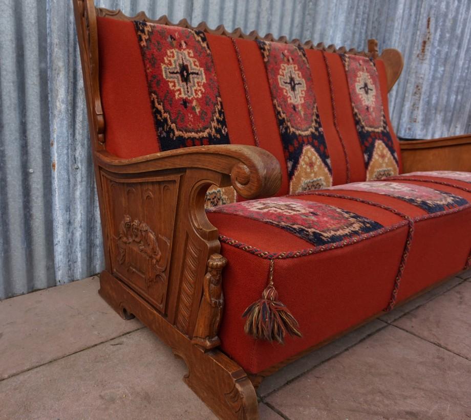 Vintage rustiek bankstel met tapijt hout gestoken scenes van de schilder pieter bruegel met - Deco eetkamer rustiek ...