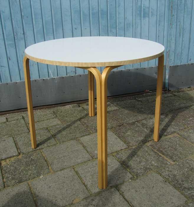 Vintage Ronde Tafel.Vintage Ronde Tafel Plywood Met Wit Blad Alvar Aalto Stijl