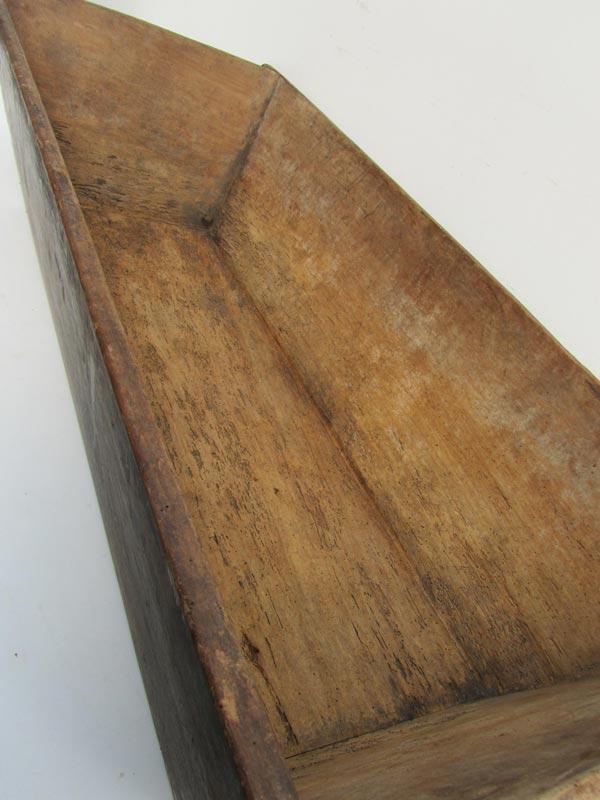 foto de Antieke doorleefde grote houten trog/bak antique wooden