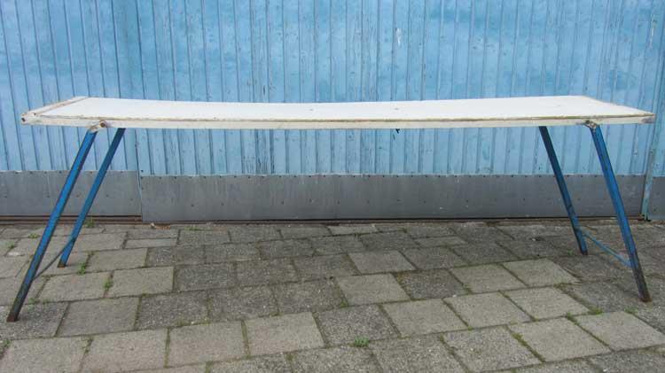 Ijzeren Onderstel Tafel : Oude industriele houten tafel ijzeren onderstel inklaptafel