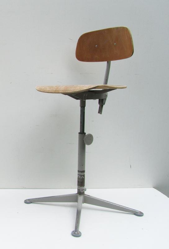 Peachy Adjustable Desk Chair By Friso Kramer For Ahrend De Cirkel Spiritservingveterans Wood Chair Design Ideas Spiritservingveteransorg
