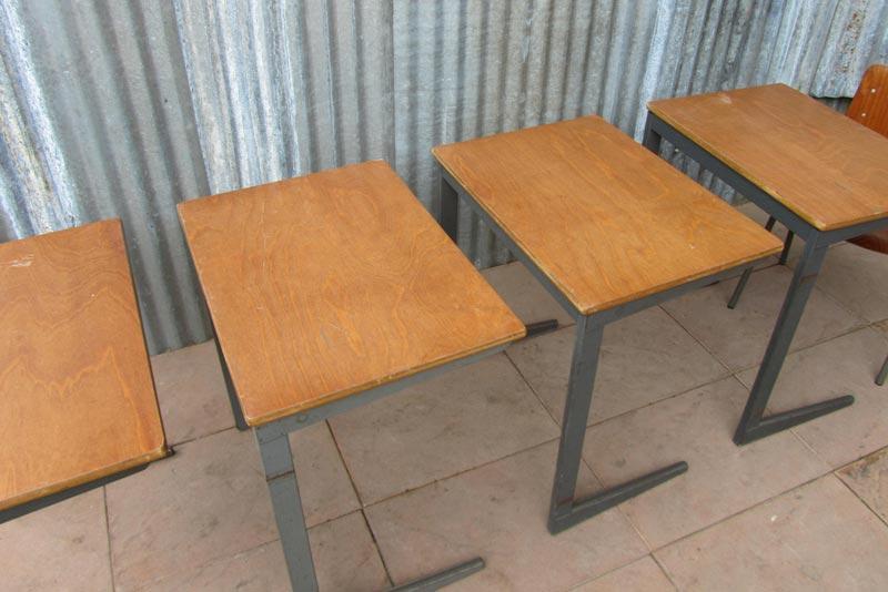 Vintage industrieel bureau lessenaar desk friso kramer - Bureau design vintage ...