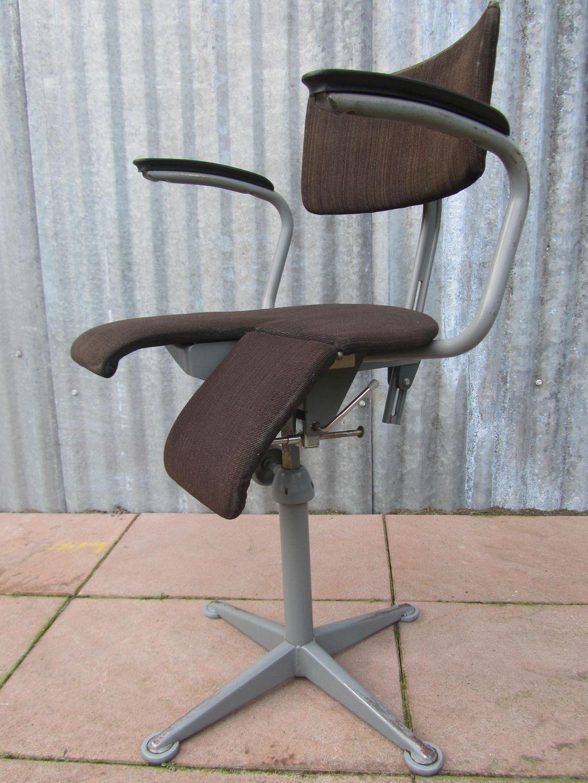 Oude Bureau Stoel.Vintage Friso Kramer Arthrodese Bureaustoel