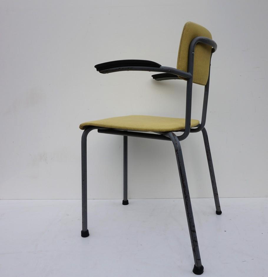 Buisframe Stoelen Vintage.Friso Kramer For Ahrend De Cirkel Armchairs
