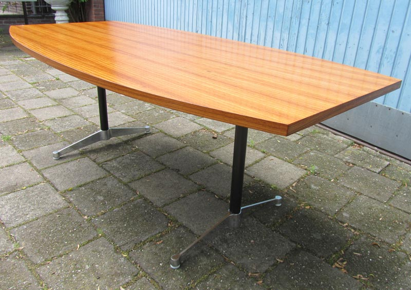 Vintage tafel herman miller ray eames conference dining table for Retro tafel