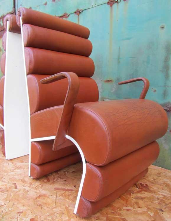 2 vintage design stoelen leer en polyester - Stoelen leer en hout ...