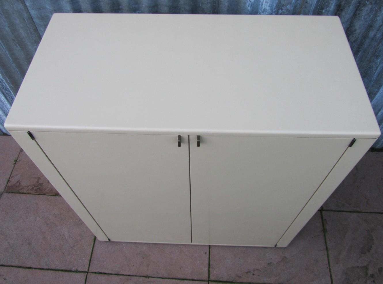 Retro Design Kastje : Minimalistic vintage design t.v. cabinet with pull out system
