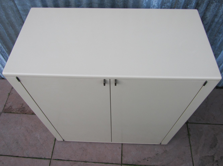 Tv Kast Interlubke.Minimalistic Vintage Design T V Cabinet With Pull Out System