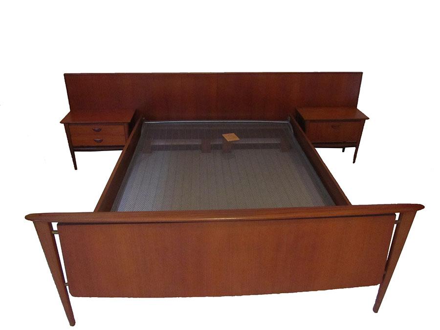 Vintage slaapkamer kast nachtkastjes louis van teeffelen voor webe - Nachtkastje voor loftbed ...