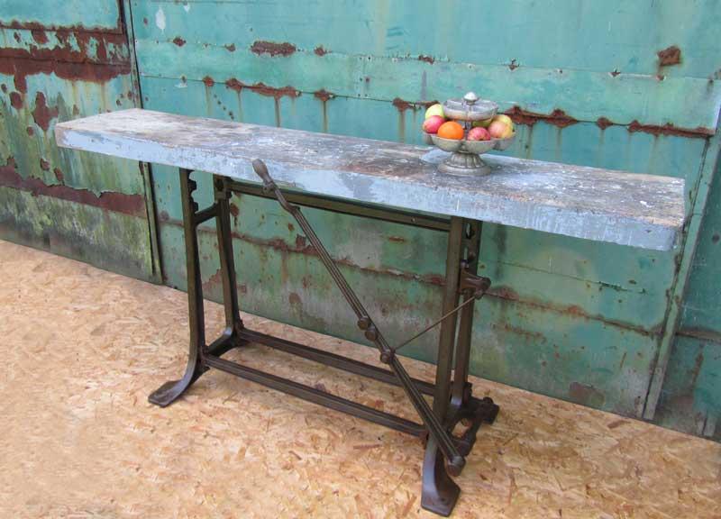 Industriele antieke tafel uit fabriek industrial machine factory table - Deco design fabriek ...