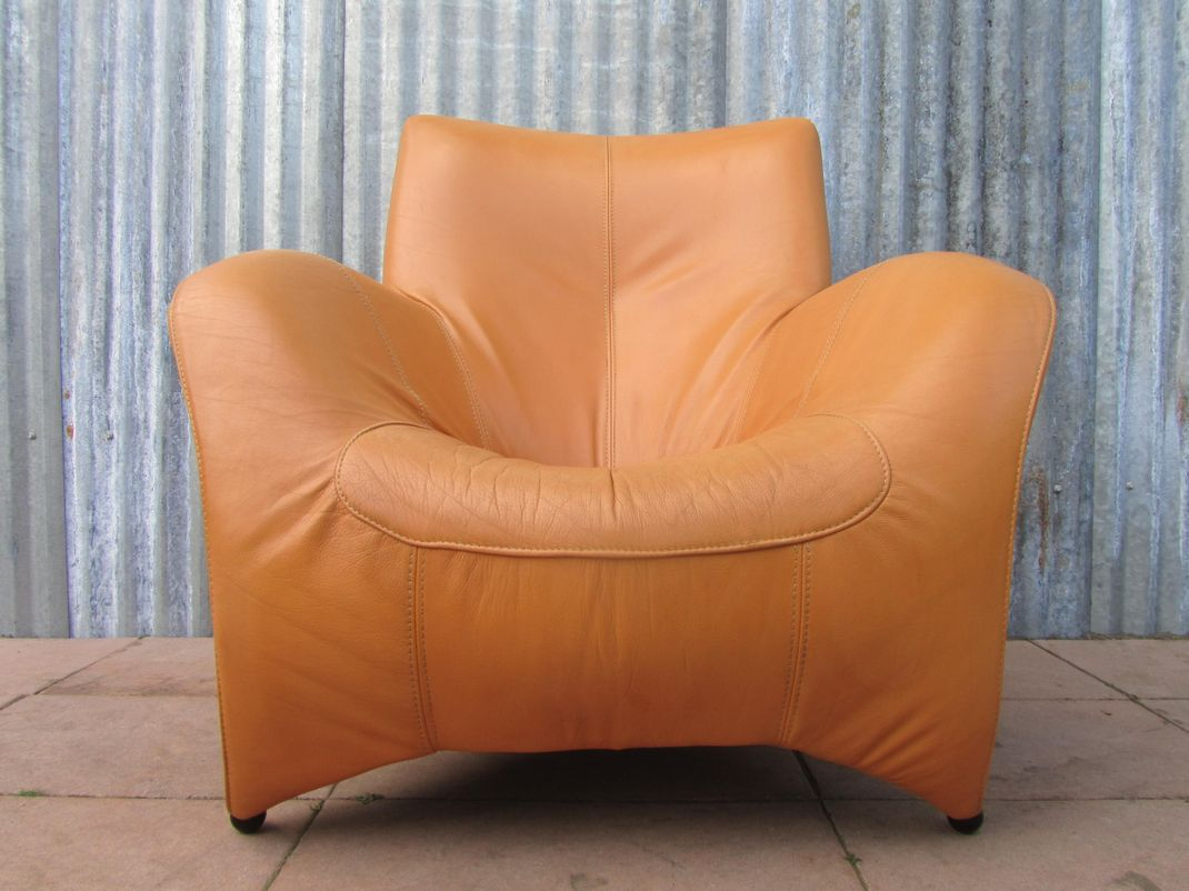 Large modern cognac leather lounge chair fauteuil