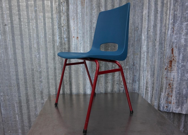 Plastic Design Stoelen.Retro Vintage Plastic Kuipstoelen Kantinestoelen Terrasstoelen