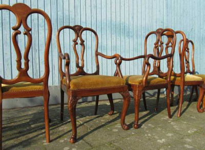 Set of 7 Chippendale walnut dining chairs, stoelen