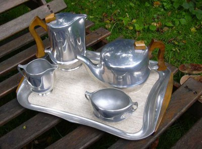 Retro aluminium Picquot Ware koffie en thee servies