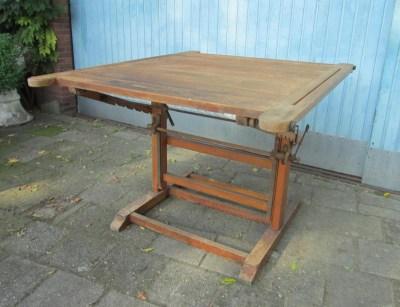 Antieke Houten Tekentafel.Industriele Vintage Houten Tekentafel
