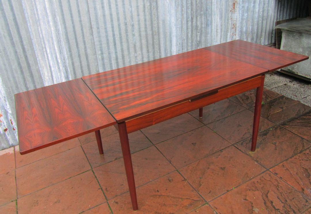 Vintage deense rio rosewood tafel en stoelen vamo for Deense meubels vintage