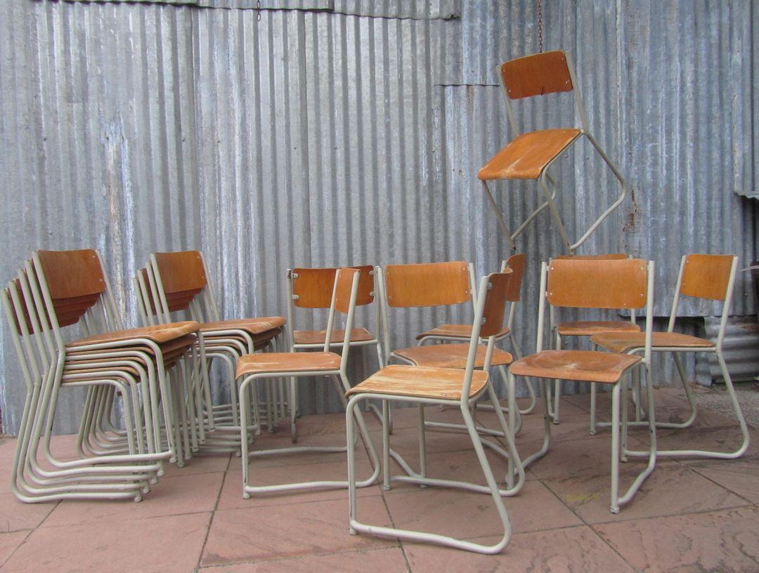 Buisframe Stoelen Vintage.Vintage Schoolstoelen Stapelbaar