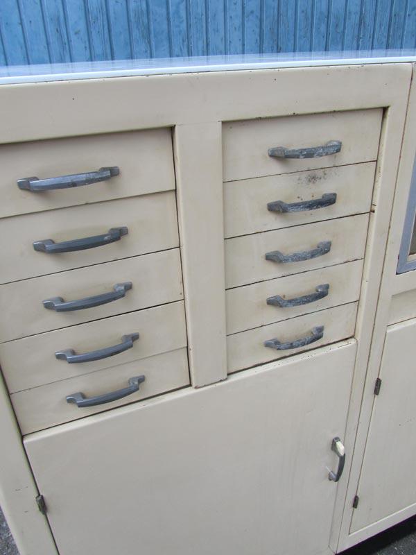 Antieke metalen kast home design idee n en meubilair inspiraties - Modern meubilair en oude ...
