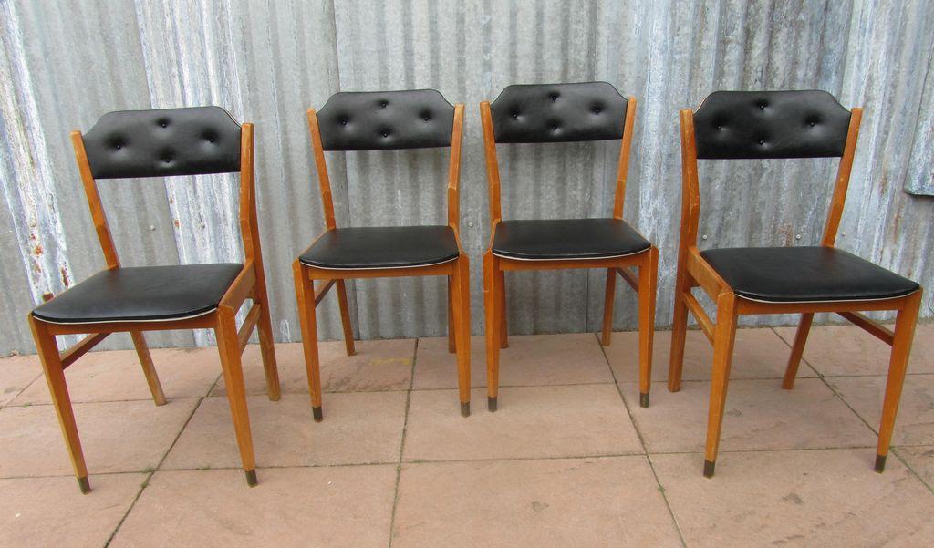 Vintage retro zwarte skai stoelen, eetkamerstoelen, jaren 50-60 ...
