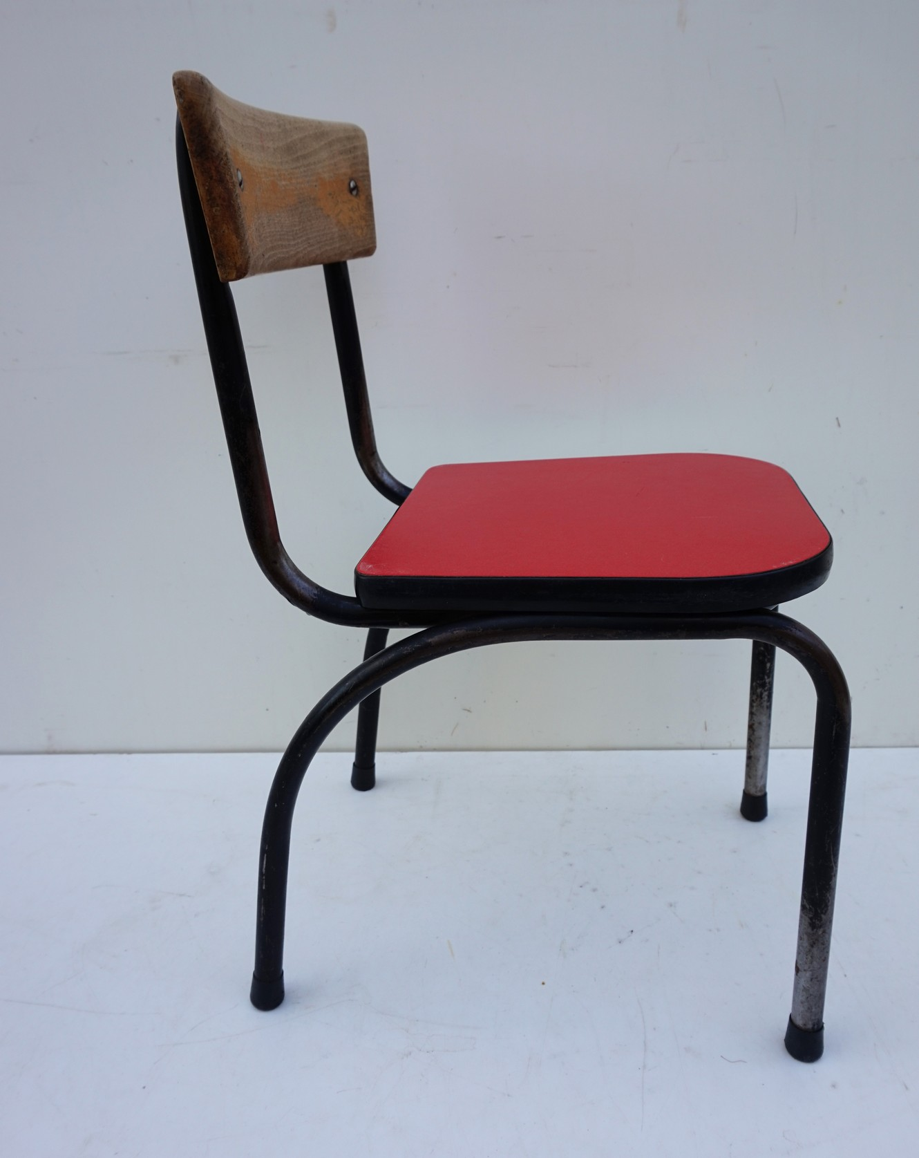 Hedendaags Industrial vintage children's chair by Willy van der Meeren PI-63