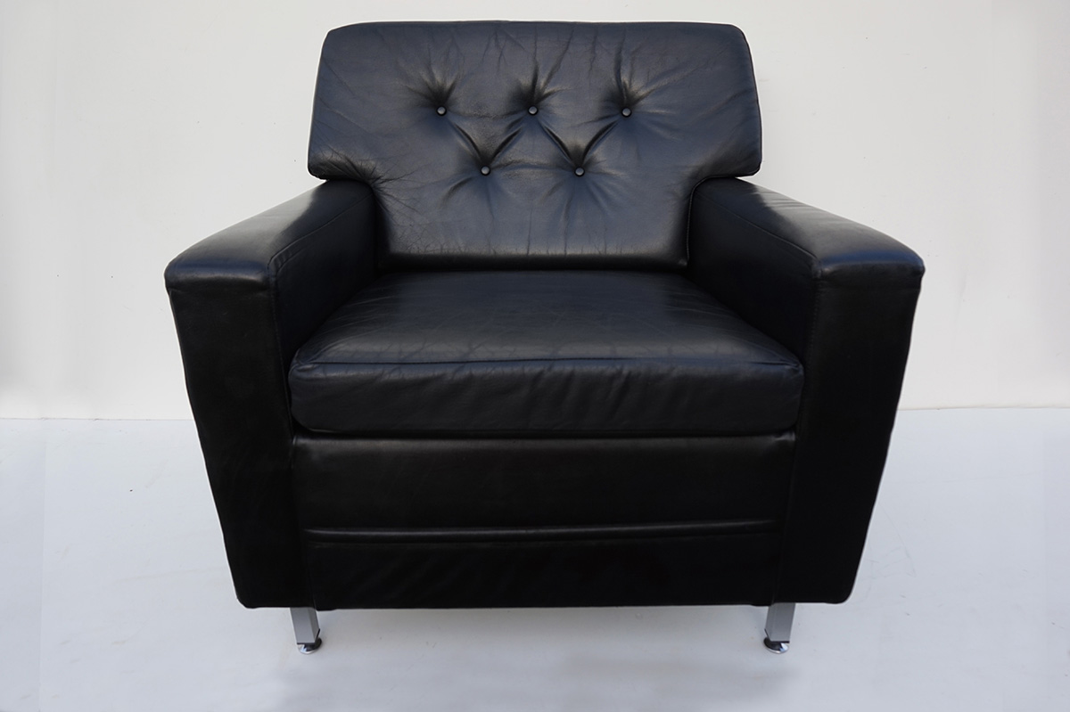 Schapenleren Club Fauteuil.Vintage Black Leather Club Chair By Profilia