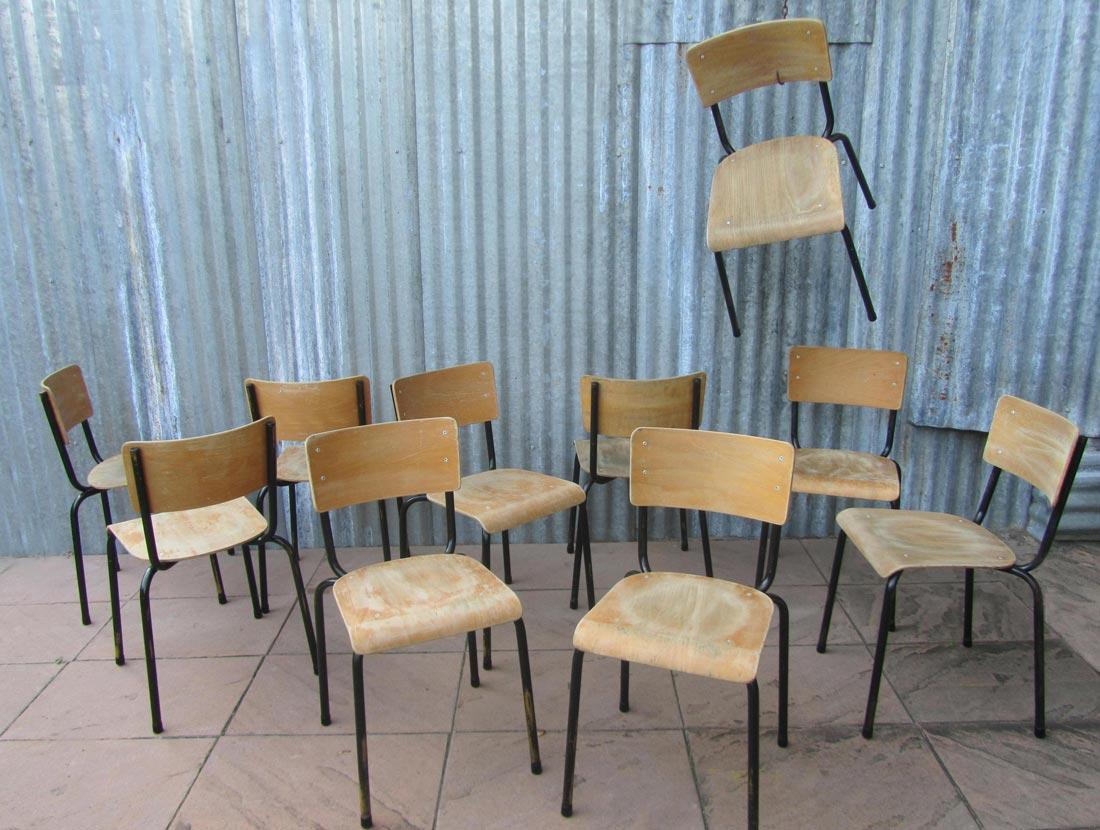 Stoer Industriele Eetkamerstoelen : Stoere verweerde vintage schoolstoelen industriele stoelen