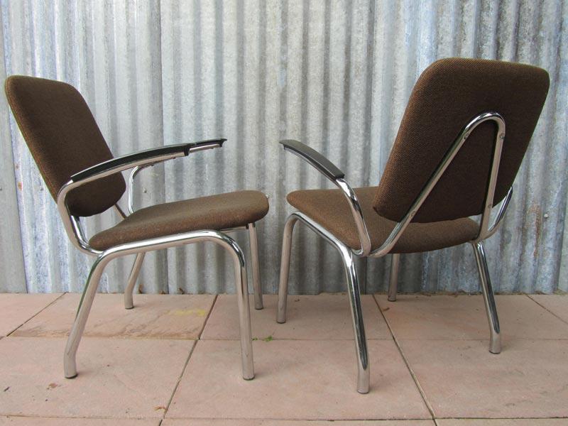 Set van vintage gispen kembo de wit stoelen armstoelen