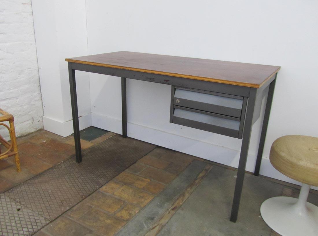 Bureau Retro Design.Industrial Vintage Writing Desks