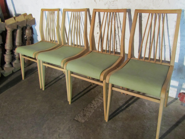 retro vintage houten stoelen habeo dining chairs