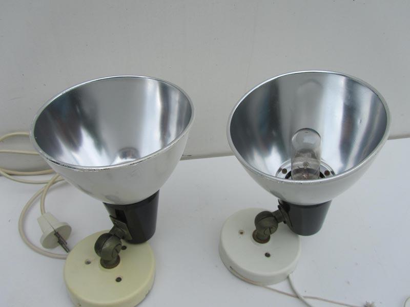 industriele metalen spots wandlampjes van het merk philips uit de begin jaren 60. Black Bedroom Furniture Sets. Home Design Ideas