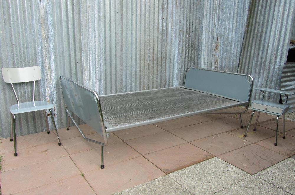 Wim rietveld voor auping bed stoel nachtkastje wim rietveld daybed chair night stand - Nachtkastje voor loftbed ...