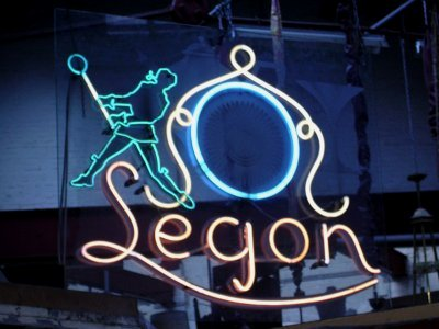 Vintage neon verlichting, neon light Segon, Legon