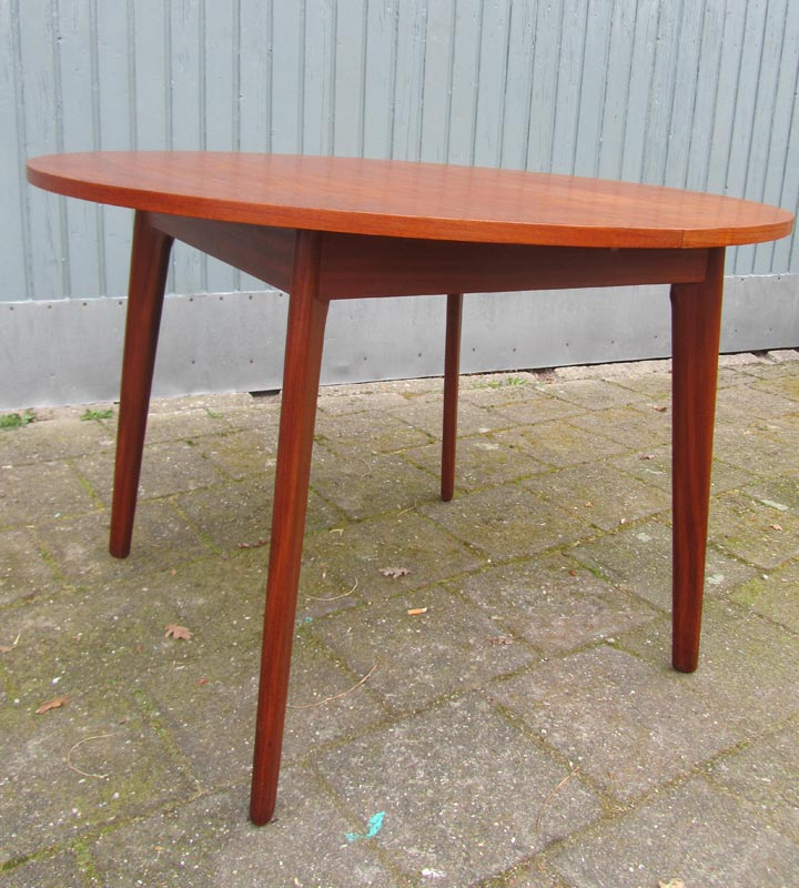 Webe round extendable teak diningtable uitschuifbare for Danish design meubels